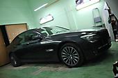 Оклейка оконных молдингов под ShadowLine BMW 7F01