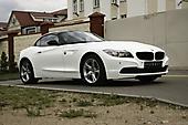 Оклейка в белоснежный глянцевый цвет BMW Z4